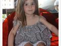 Rebeca con vestido Mataleñas con volantes, vestido de cuadros de vichy niña, tienda online ropa infantil, moda infantil santander, cuadros de vichy, vestido de verano cuadros de vichy niña.jpg