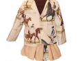 americana para niña con caballos y falda de pana conjunto niña, blanco y entredoses diseño de moda infantil