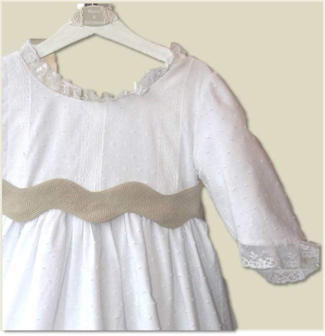 cuerpo de vestido de comunión de plumeti blanco, vestidos de comunión sencillos, vestidos de comunión personalizados, vestidos de comunión clásicos, vestido de comunión baratosjpg