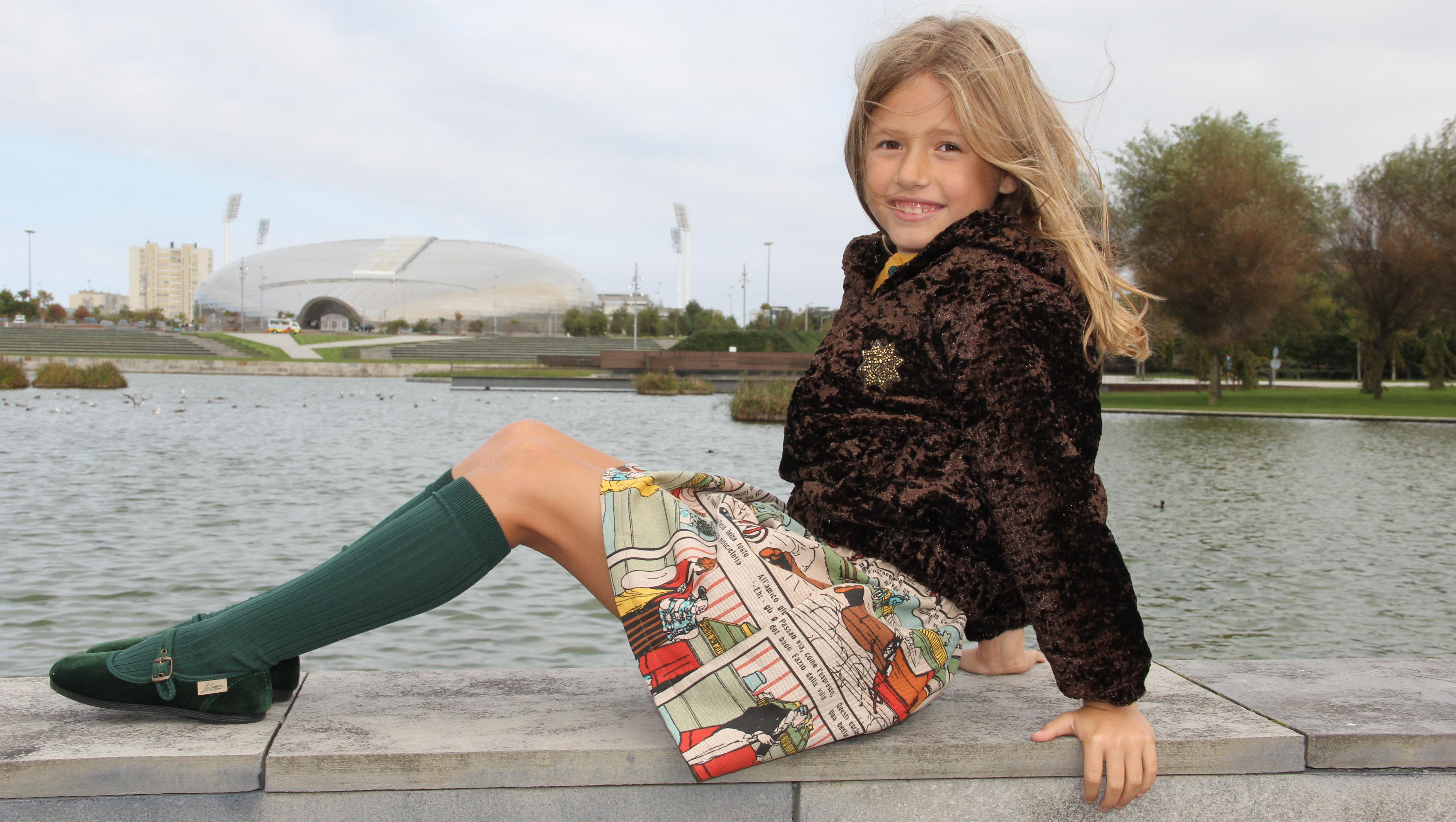 Falda-de-comic-para-niña-sudadera-de-pelo-niña-ropa-para-niña-online-ropa-exclusiva-infantil-online-moda-niña-santander-e1443631275883