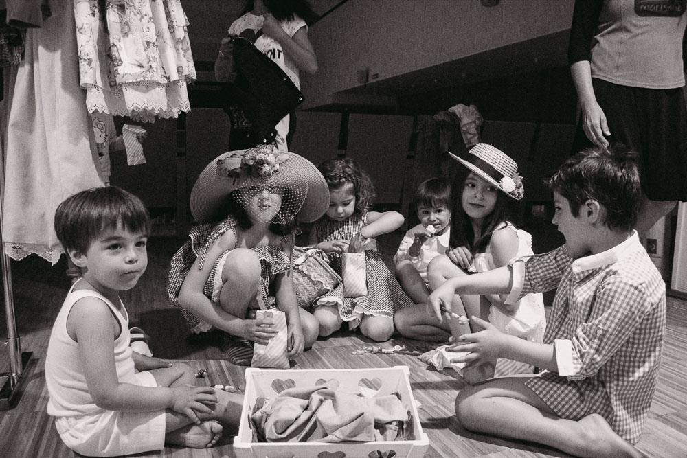 fotografia-niños-backstage-desfile-moda-infantil-moda-niños-verano-desfile-verano-niños