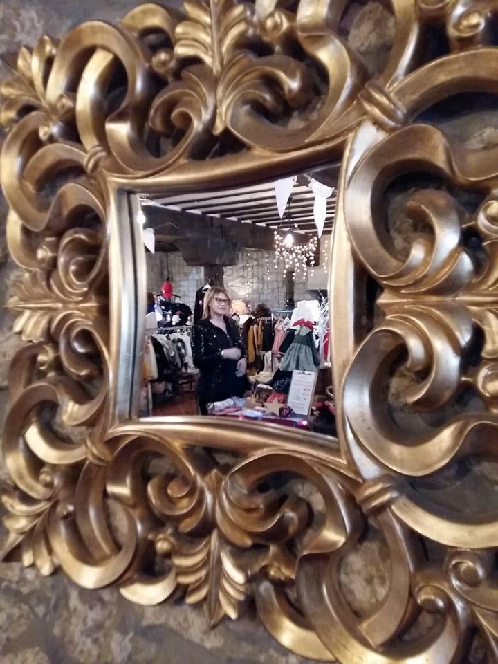 Blanco y entredoses en el mercadillo navideño de la Posada de Santa Ana en Suances (2)