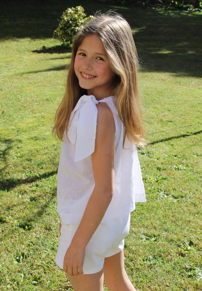 blusa de plumeti blanco niña, top de plumeti niña, short blanco niña, bermudas blancas niña (3)