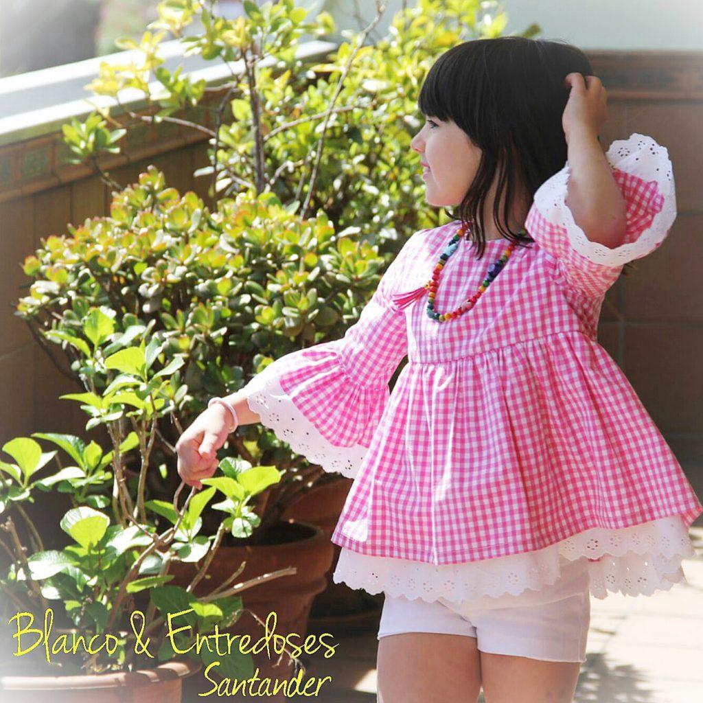 blusa de niña especial, blusa niña rosa, ropa de verano niña, vichy rosa niña, mangas de campana niña