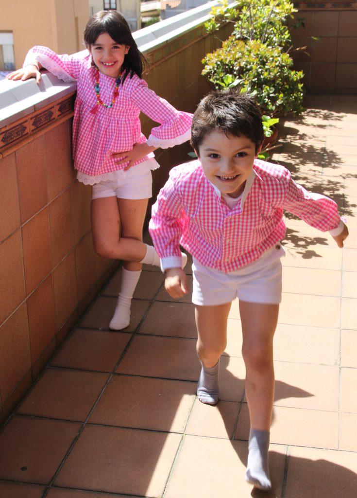 ropa hermanos iguales, camisa rosa niño, vichy rosa niños, ropa arras niños, camisa vichy rosa, hermanos conjuntados verano (6)