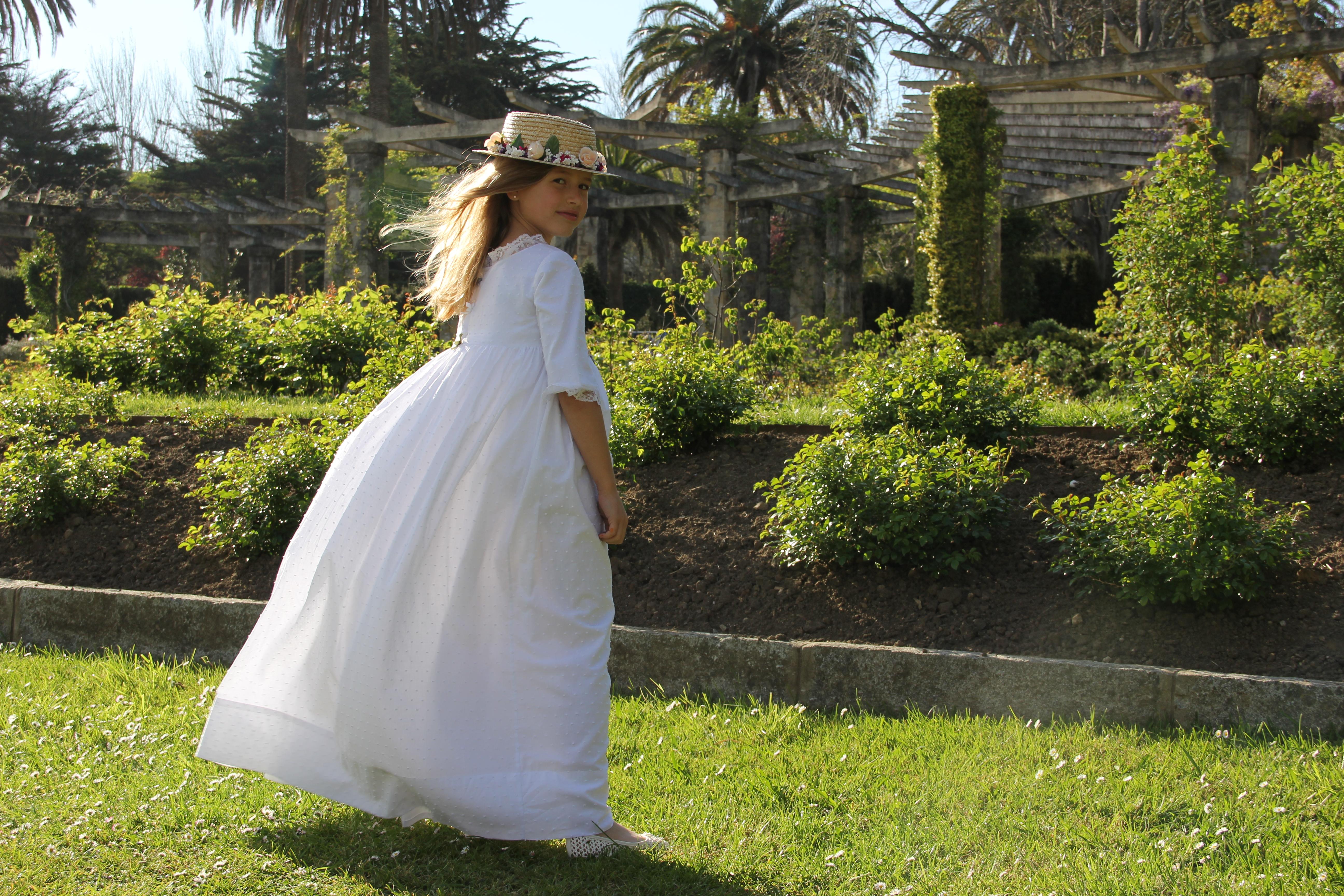 vestido-de-comunion-hecho-a-mano-vestido-de-comunión-personalizado-vestido-de-comunion-plumeti