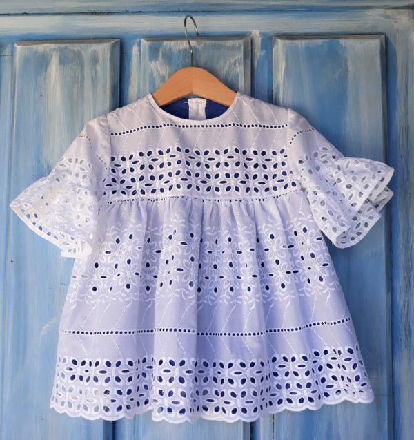 vestido blanco bordado niña